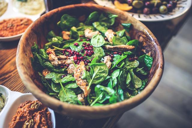 salad-791643_640