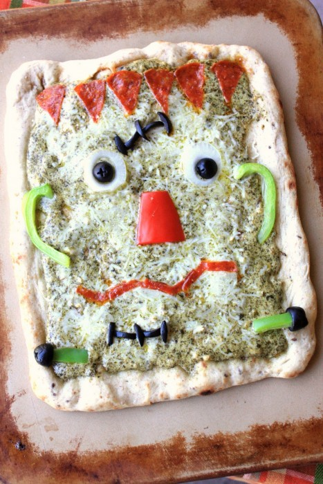 Owl and frankenstein pizzas 016